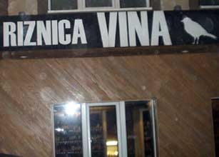 Riznica vina- Belgrade wine bar and shop